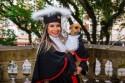 Formanda em Direito leva sua cachorrinha para sessão de fotos de formatura