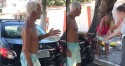 Cães trancados em porta-malas por idoso são levados por guardas de São Cristóvão, RJ (veja o vídeo)