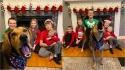 Família tenta produzir cartão de Natal e cadela acaba roubando a cena. (Foto: Arquivo Pessoal/Deanna Greenstein)