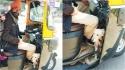 Cliente registra motorista de carro trabalhando com o seu cão para não deixá-lo sozinho. (Foto: Facebook/Manjiri Prabhu)