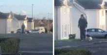 Idoso faz caminhadas super lentas devido a fratura e seu gato o acompanha com toda paciência (veja o vídeo)