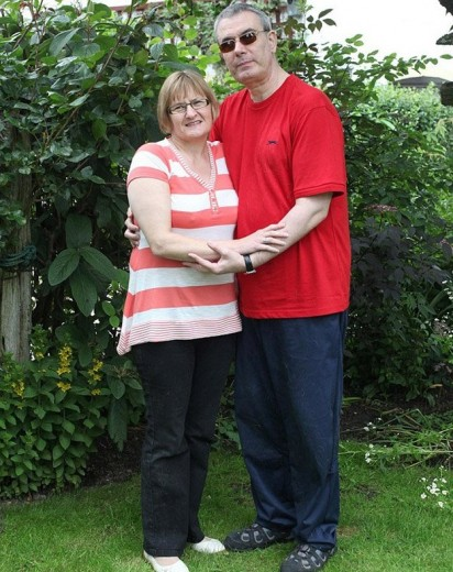 Casal Claire Johnson, 50 anos e Mark Gaffey, 51. (Foto: Dave Evitts/Newsteam)