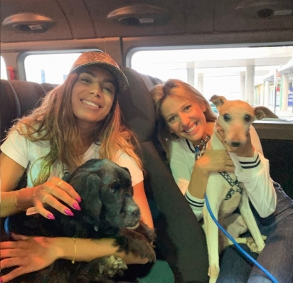 Anitta adotou três cachorros do Instituto Luisa Mell em agosto deste ano. (Foto: Instagram/Anitta)
