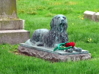 Além de Rex existem outros animais enterrados com seus donos no local. (Foto: Wikimedia Commons/ David Berkowitz)