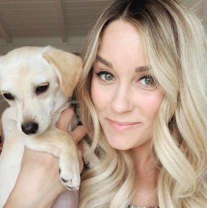 Lauren Conrad e sua família adotaram o bebê Fitz de um abrigo de cães em Los Angeles. (Foto: Instagram/laurenconrad)