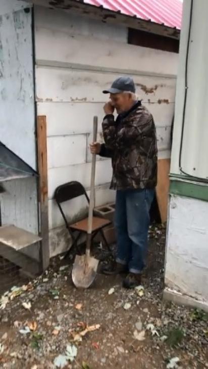 O dono de Bruce é apaixonado por seus animais, por isso criou um playground. (Foto: Reprodução Facebook/Jayli Wolf)