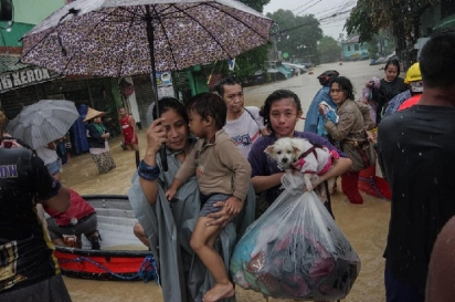A cidade de Marikina, no leste das Filipinas, foi atingida pelo furacão Ulysses no dia 12 de novembro de 2020. (Foto: Facebook/Larry Monserate Piojo)