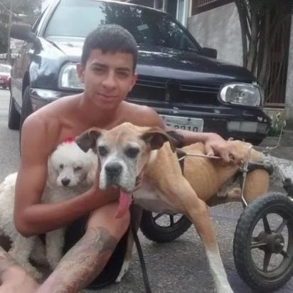 """Esdras Andrade mantém o Projeto """"Abrigo Escola"""" para cuidar de animais que precisam de ajuda. (Foto: Instagram/esdrasandradeoficial)"""