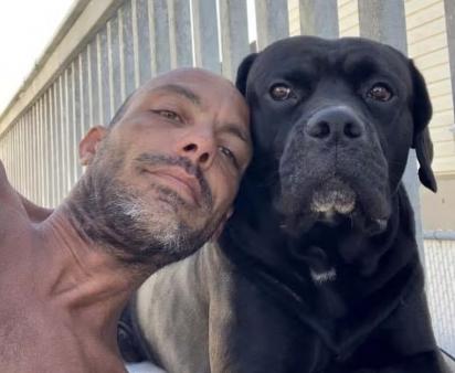 Michael estava com o seu cão Shadow quando o acidente aconteceu.