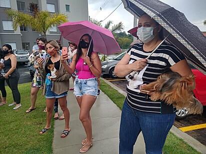 Comunidade e seus pets compareceram no local para se despedir de Ricca.
