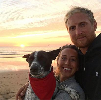 O casal Phil Blakeway e Charlotte Webster estavam desesperados com o sumiço da cachorrinha.