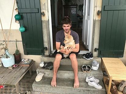 Thomas Tebet com o seu cachorro Paco.
