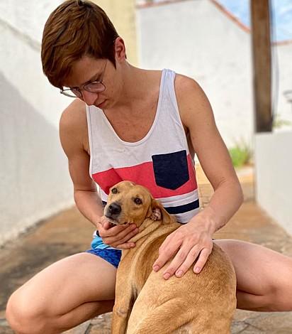O amor de Willian Pereira por sua cachorrinha Diana é incondicional.