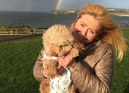 Sharon Warnock com o pequeno Henry.