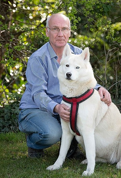Terry Walsh com o husky siberiano Hel.