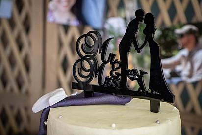 O casal se casou no dia 3 de abril.