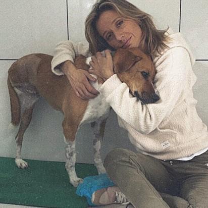 Luisa Mell acolhe Caramela em sua ONG.