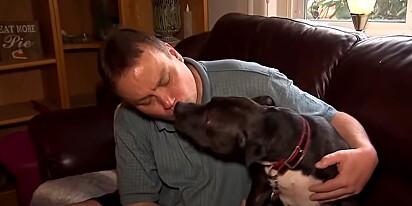 Kevin Peterson com o seu cão Ruby.