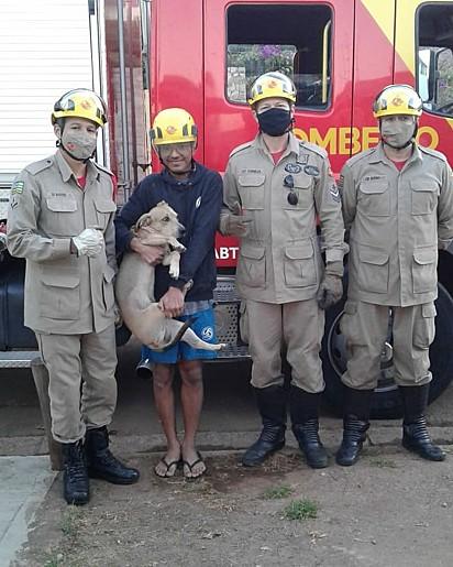 Foto para registrar a equipe que salvou o caramelo.