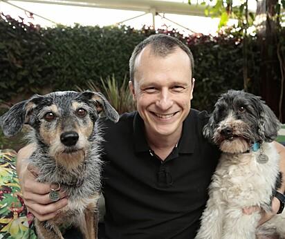 Alexandre Rossi, o famoso Dr. Pet da TV, em entrevista ao Amo Meu Pet abordou questões relacionadas aos problemas comportamentais em cães e gatos.