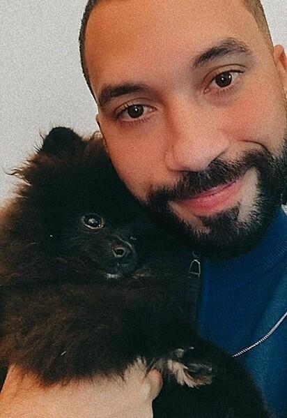 Gil do Vigor com a sua cachorrinha Vigorinha.