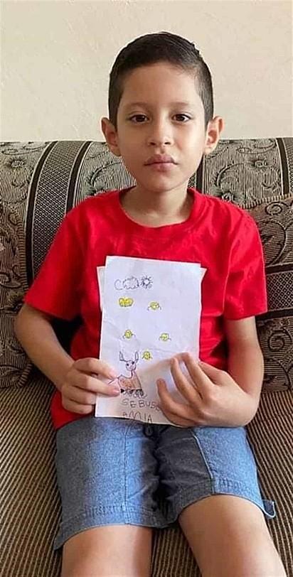 Joshua desenhou um retrato falado de seu animal de estimação.