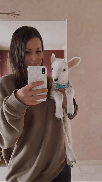 Tamara White adotou o filhote.