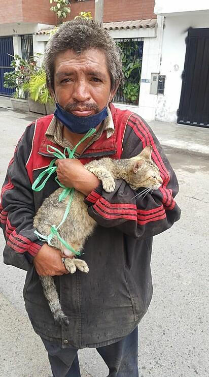 Martín se negou a sumir com o felino.