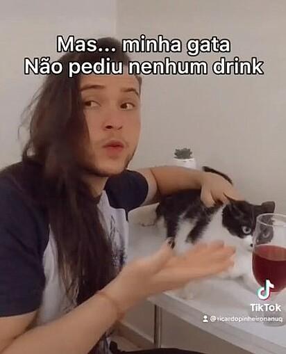 Ricardo diz que Rosa não pediu nenhum drink